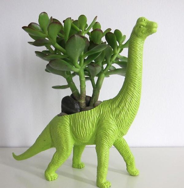 plastic-dino-planter