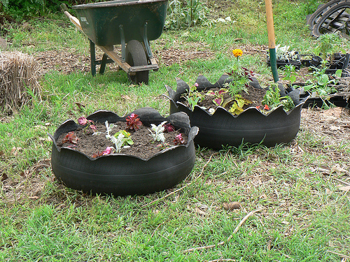 recycled-planters-06